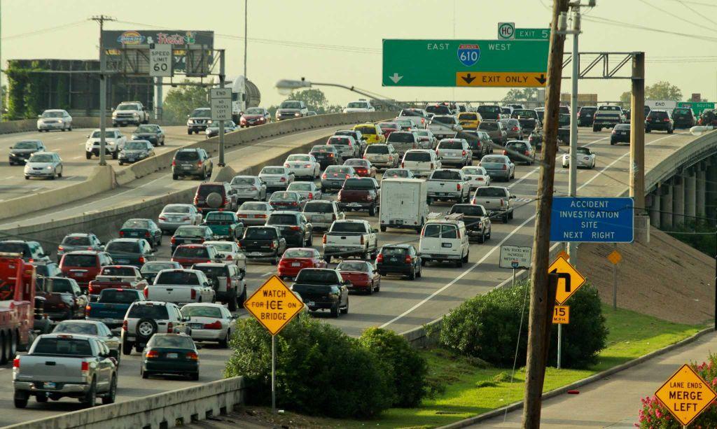 Crash near I-10 ramp causes traffic delays on Northwest Side - San ...